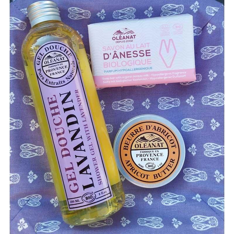 Offrez ce coffret rempli des essentiels de Provence .Fermez les yeux et respirez la Provence ..