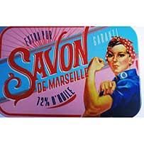 Découvrez ce savon en boite vintage senteur rose ! La boite sera réutilisable pour vos prochains savons