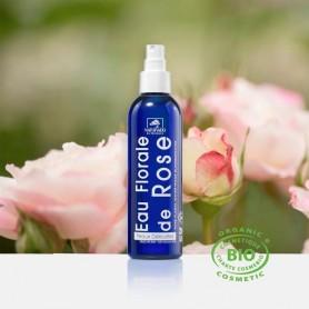 Découvrez cette eau de rose Bio obtenue par distillation à la vapeur d'eau des pétales de Rosier de Damas